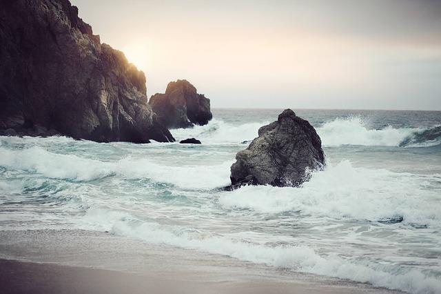 shore-336578_640